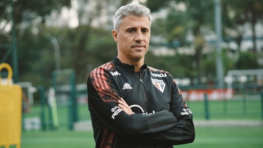 Hernán Crespo, técnico do São Paulo, em treino no CT da Barra Funda - Fellipe Lucena / saopaulofc