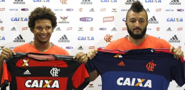 Willian Arão e Alex Muralha ampliaram os contratos com o Flamengo