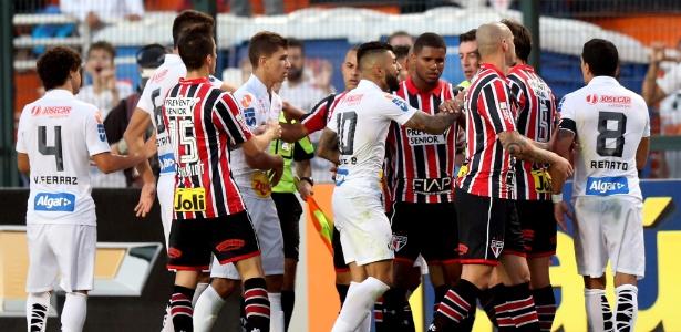 Nos últimos cinco clássicos contra o Santos, São Paulo sofreu quatro derrotas