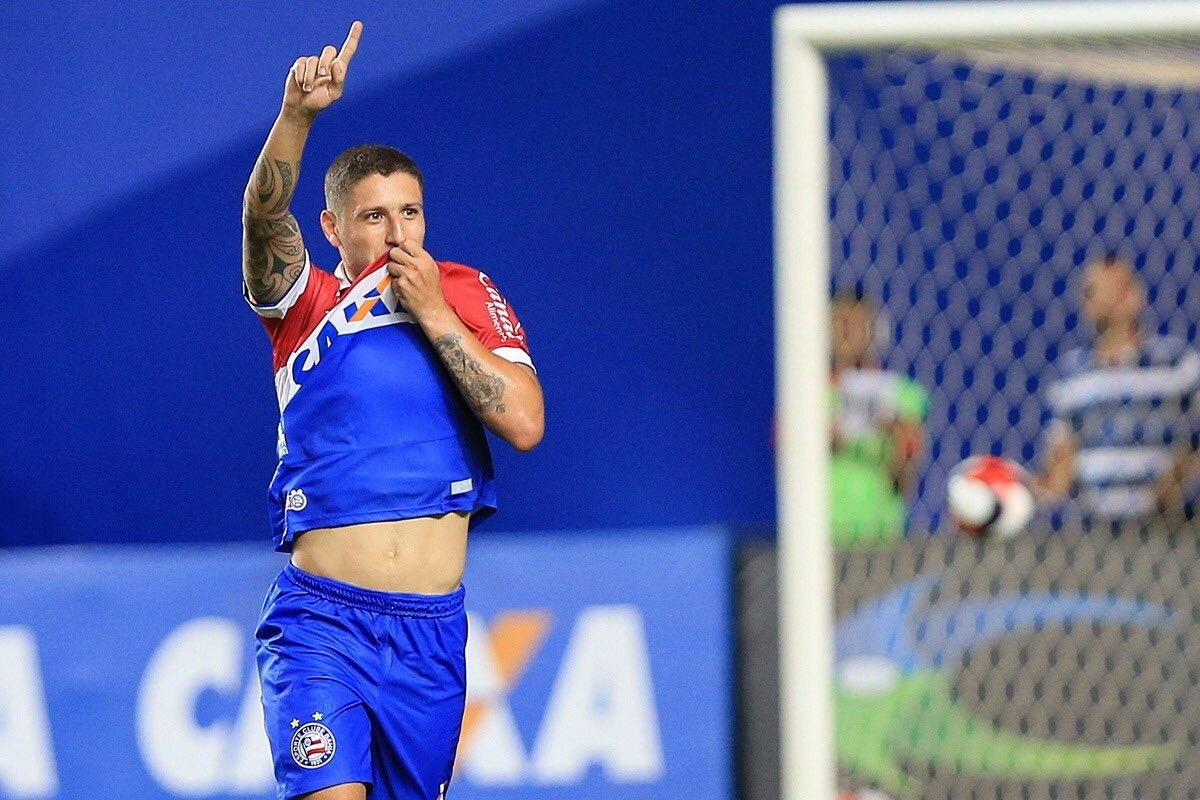 Zé Rafael comemora gol do Bahia contra Jacobina