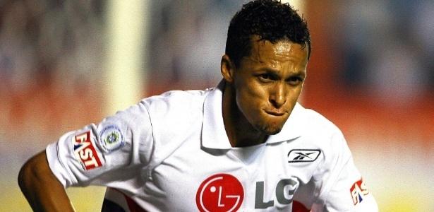 Souza, que defendeu o São Paulo e o Paris Saint-Germain