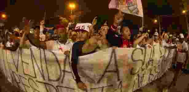 Torcedores do São Paulo protestam após empate com o Fluminense - JOCA DUARTE/PHOTOPRESS/ESTADÃO CONTEÚDO - JOCA DUARTE/PHOTOPRESS/ESTADÃO CONTEÚDO