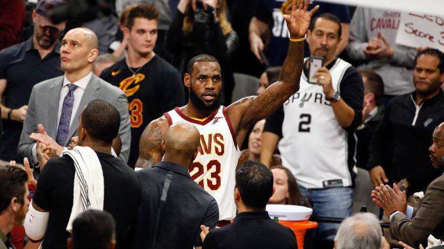 LeBron James celebra a marca de 30 mil pontos na NBA - Soobum Im-USA TODAY Sports