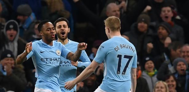 City é destaque na Inglaterra e vai a campo pela Liga dos Campeões