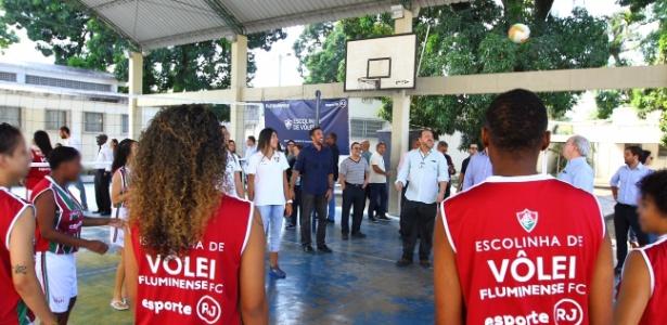 Jovens infratoras serão beneficiadas por escolinha de vôlei do clube