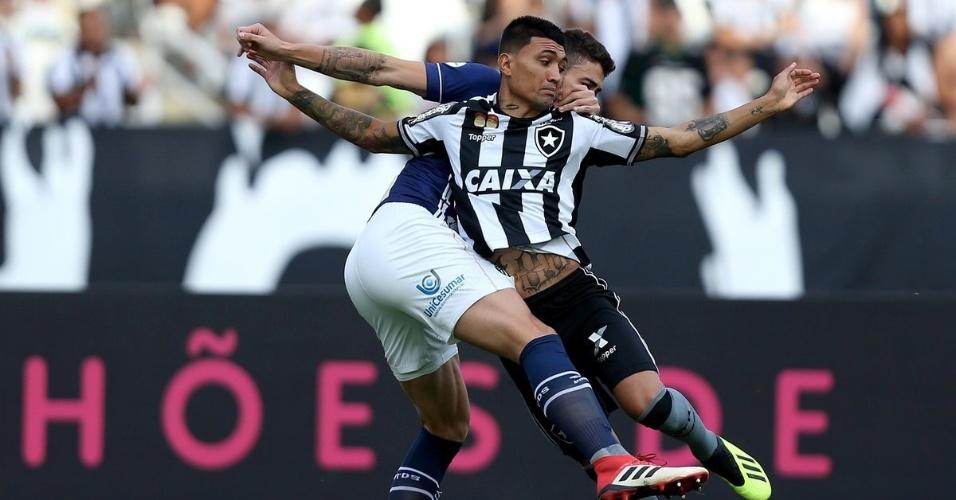 Botafogo e Santos se enfrentam no estádio Nilton Santos pelo Campeonato Brasileiro de 2018
