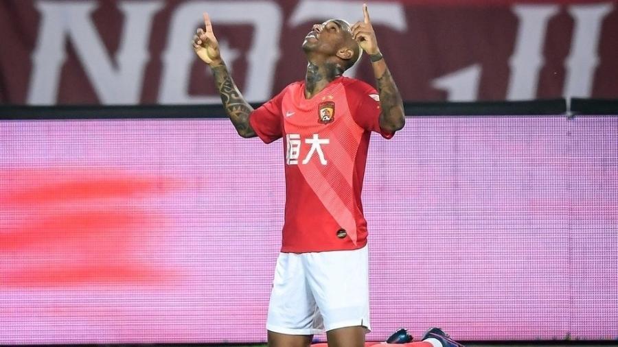 Anderson Talisca brilha com dois gols e garante vitória ao Guangzhou Evergrande - Divulgação