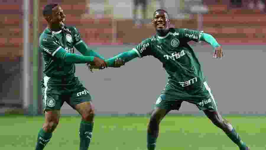 Patrick de Paula (à direita) comemora gol do Palmeiras na final da Copa do Brasil sub-20 - Fabio Menotti/Ag. Palmeiras/Divulgação