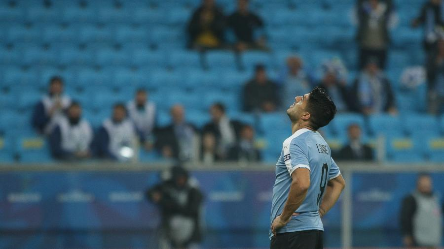 Luis Suárez lamenta chance desperdiçada em Uruguai x Japão - Guilherme Hahn/Agif