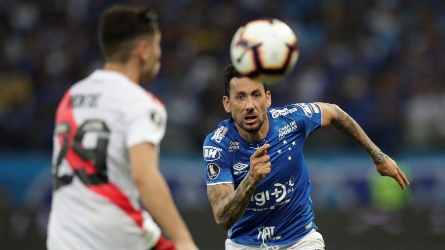 Ariel Cabral chegou ao Cruzeiro em 2015 e foi peça importante até a queda para a Série B do Brasileirão - REUTERS/Ueslei Marcelino