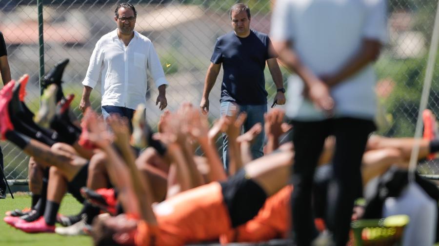 Alexandre Mattos faz a ponta da presidência com o elenco enquanto  Sette Câmara busca receitas para quitar atrasados - Bruno Cantini / Agência Galo / Atlético
