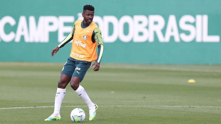 Ramires, durante treino do Palmeiras, na Academia de Futebol - Cesar Greco
