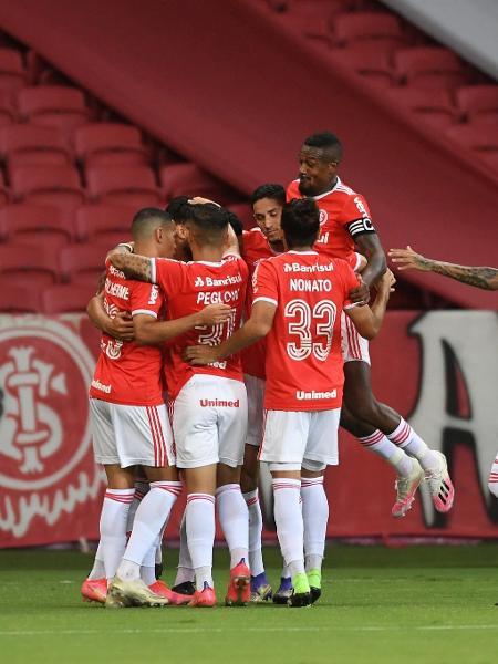 Jogadores do Inter comemoram gol contra o Ypiranga, no Beira-Rio - Ricardo Duarte/Inter