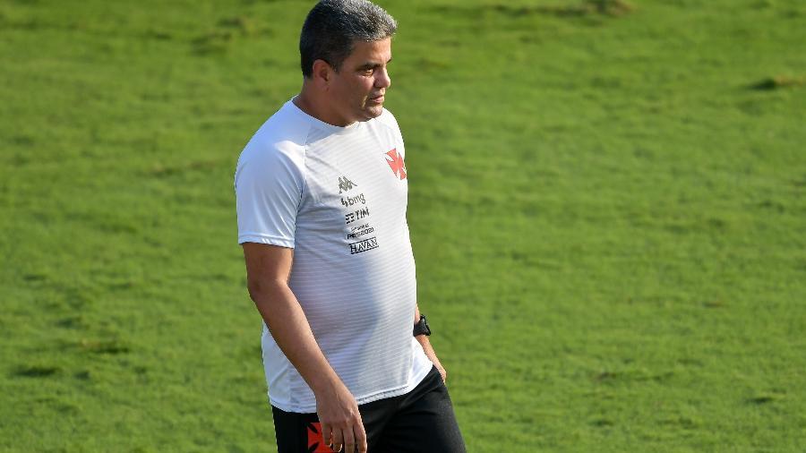Marcelo Cabo, técnico do Vasco, durante a partida pelo Campeonato Carioca - Thiago Ribeiro/AGIF