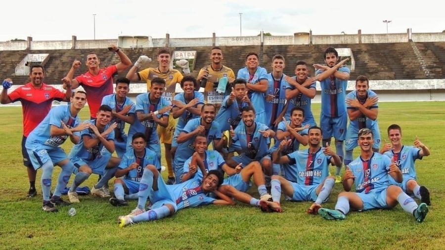 Jogadores do União ABC comemorando a classificação para o Hexagonal - REprodução/Instagram