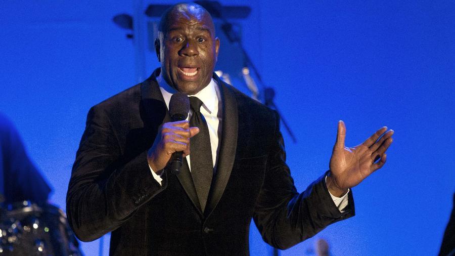 Magic Johnson concede entrevista coletiva em 2014, na Califórnia - Mario Anzuoni/Reuters