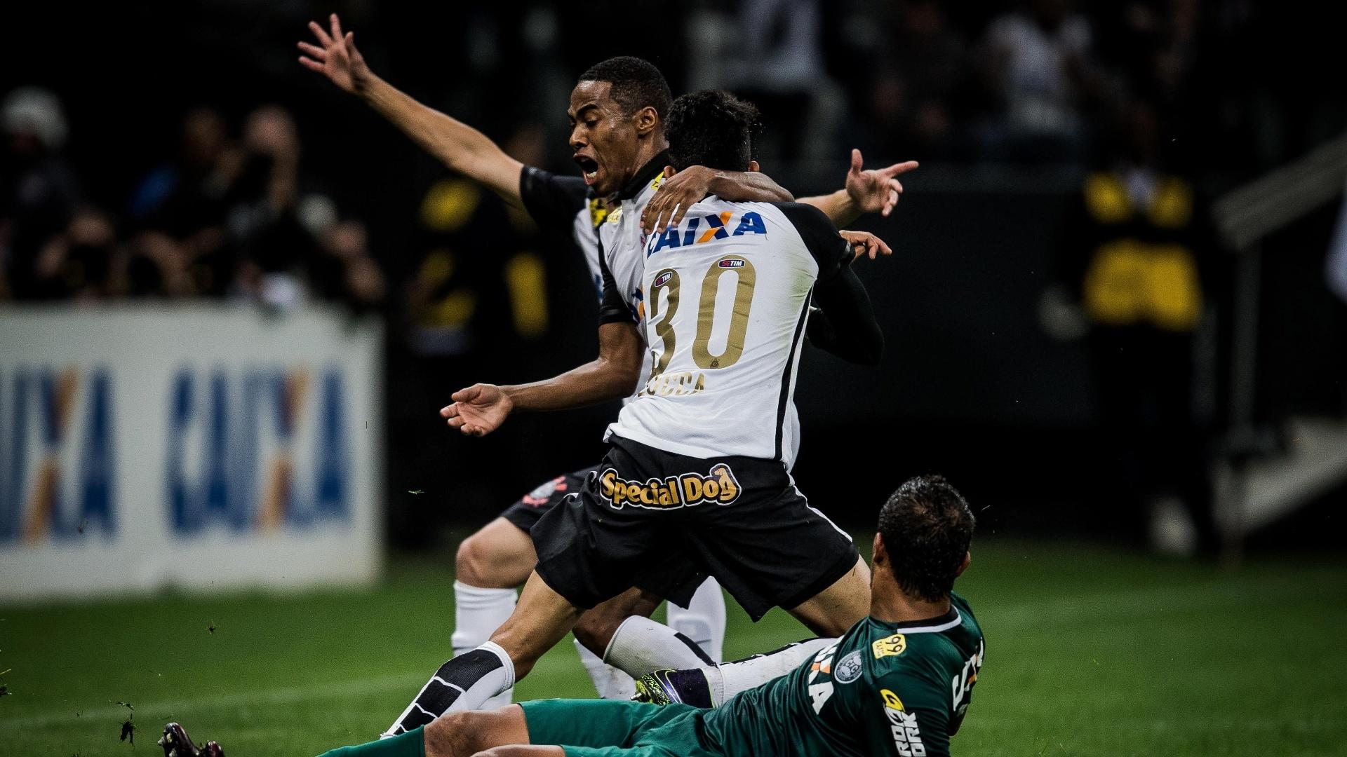 Lucca comemora o gol marcado nos acréscimos, que garantiu vitória do Corinthians