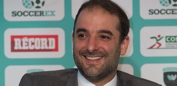 Pedro Trengrouse debochou dos projetos de estádios apresentados por outros candidatos no Flu