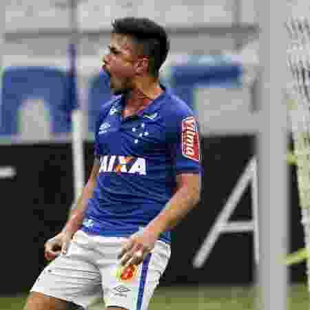 Willian comemora gol do Cruzeiro diante do Fluminense - Washington Alves/Light Press/Cruzeiro