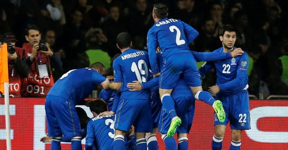 Azerbaijão comemora gol sobre a Alemanha