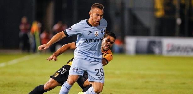 Arthur tem contrato até 2021 e Grêmio exige R$ 117 milhões pelos seus 60%