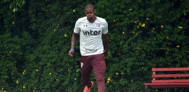 Maicosuel durante treinamento pelo São Paulo