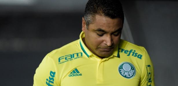 O técnico Roger Machado durante uma partida do Palmeiras