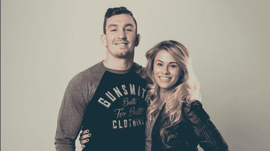 Paige VanZant posa ao lado do noivo Austin Vanderford - Reprodução/Instagram