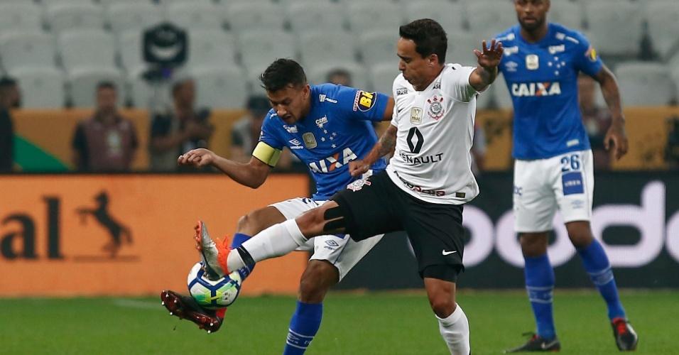 Título e rebaixamento  Cruzeiro e Botafogo dão cartada final no ... 7939f6f9ae144