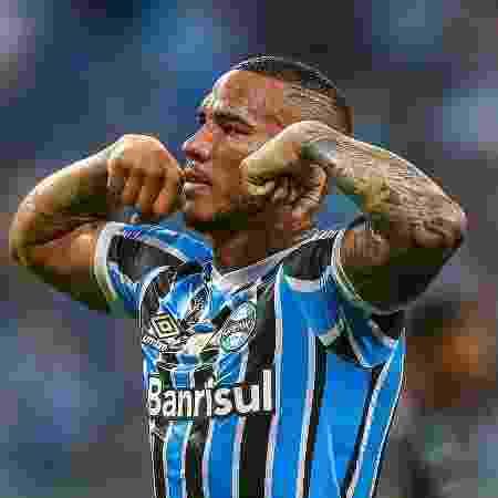 Atacante que passou pelo Grêmio não gostou da publicação do meia Thiago Neves - Lucas Uebel/Grêmio