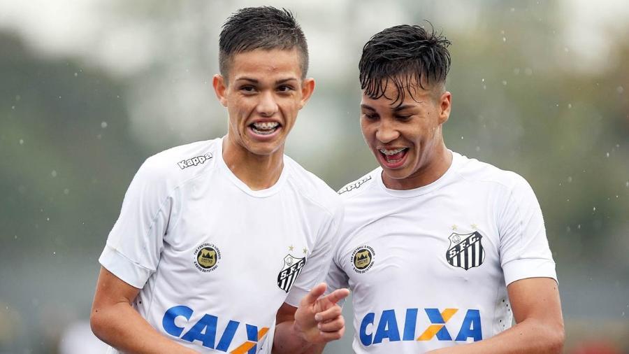 Giovanni (à esquerda) e Kaio Jorge (à direita) atuam juntos desde as primeiras categorias de base no Santos - Pedro Ernesto Guerra Azevedo/Santos FC