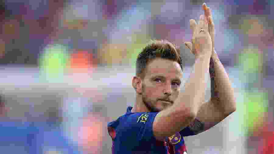 Rakitic, jogador do Barcelona, não deve ir para Juventus ou Inter de Milão - Josep LAGO / AFP
