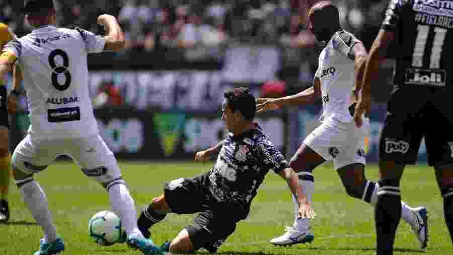 Jadson durante jogo contra o Ceará - Alan Morici/AGIF