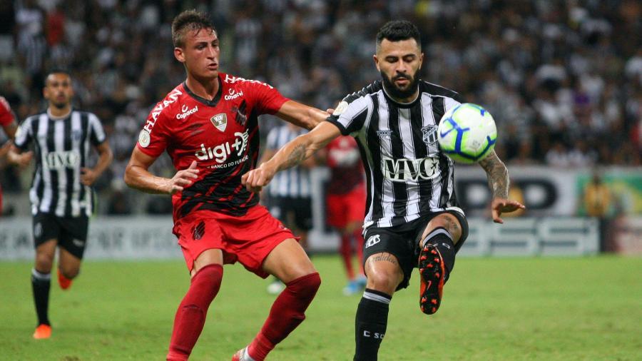 Ceará saiu na frente do Athletico-PR na reta final do duelo, mas viu o adversário empatar no último lance - Thiago Gomes/AGIF