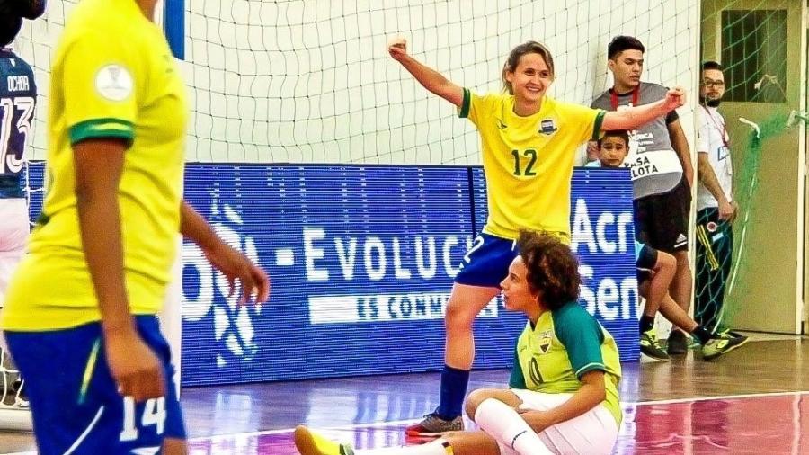Amandinha, futsal - Divulgação/Penalty