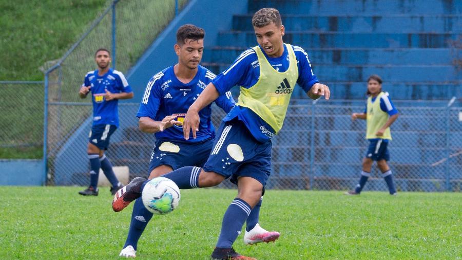Vinícius Popó marcou mais de cem gols na base da Raposa, mas já foi emprestado para o Sport e o Goiás - Rodolfo Rodrigues/Cruzeiro