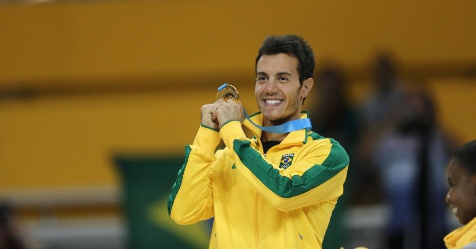 Sturmer sobe ao pódio da patinação artística em Toronto. Brasileiro foi ouro no Pan