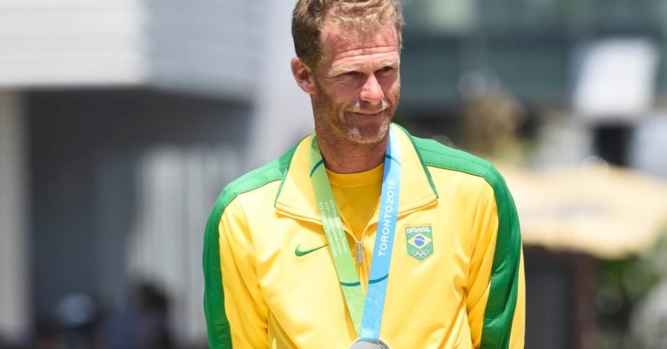 Robert Scheidt conquista a medalha de prata na classe laser da vela