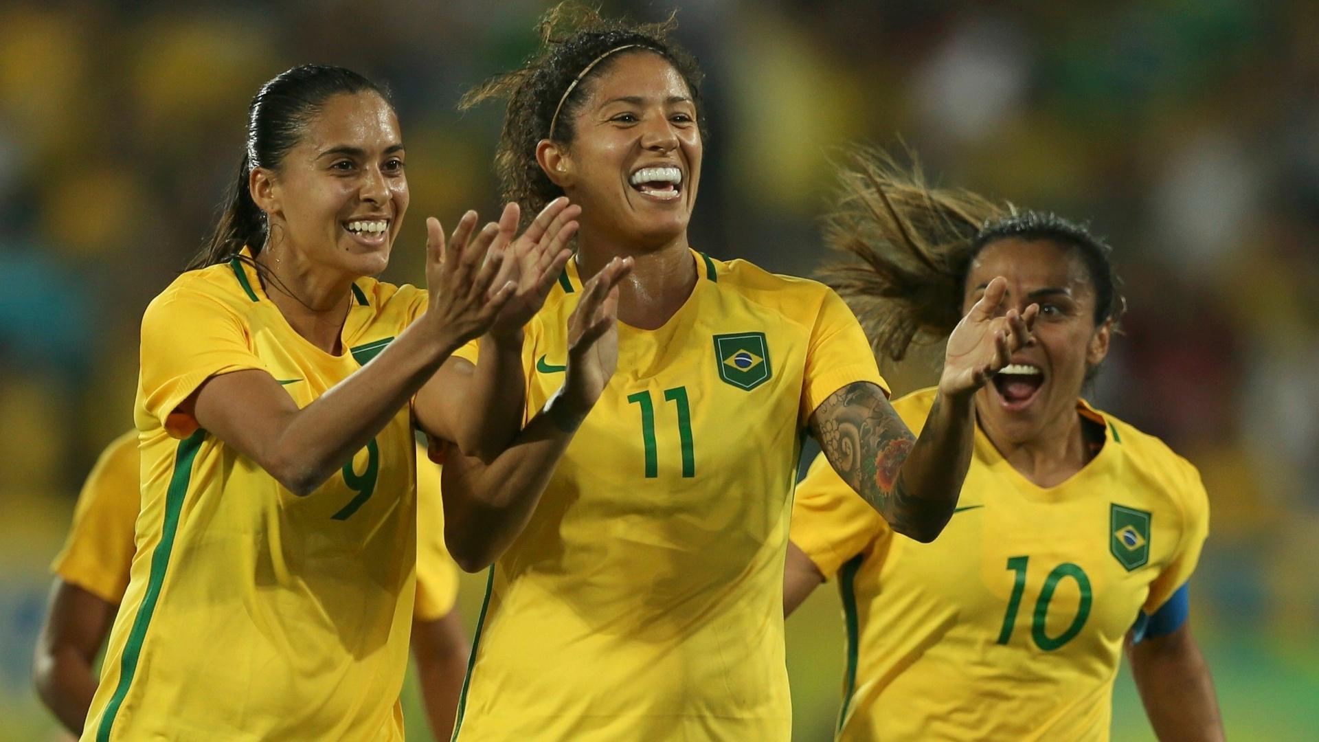 Cristiane marca o segundo do Brasil diante da seleção sueca