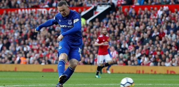 Wayne Rooney em ação pelo Everton durante jogo contra o Manchester United - Andrew Yates/Reuters