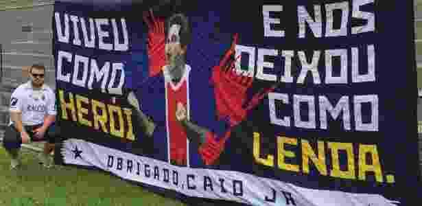 Bandeira de Caio Júnior na torcida do Paraná Clube - Arquivo Pessoal - Arquivo Pessoal