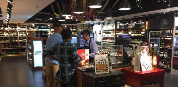 A Spinneys é uma loja autorizada a vender bebidas alcoolicas en Al Ain