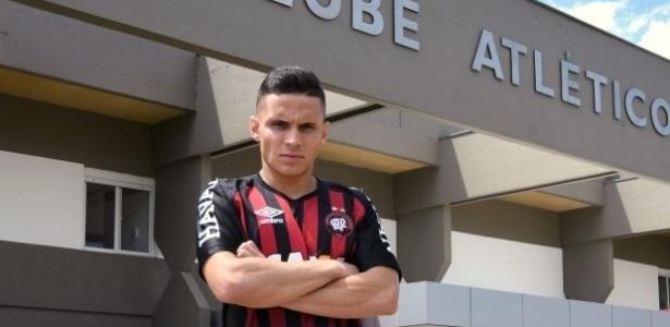 Raphael Veiga: ex-Coxa e Palmeiras agora defende o Furacão