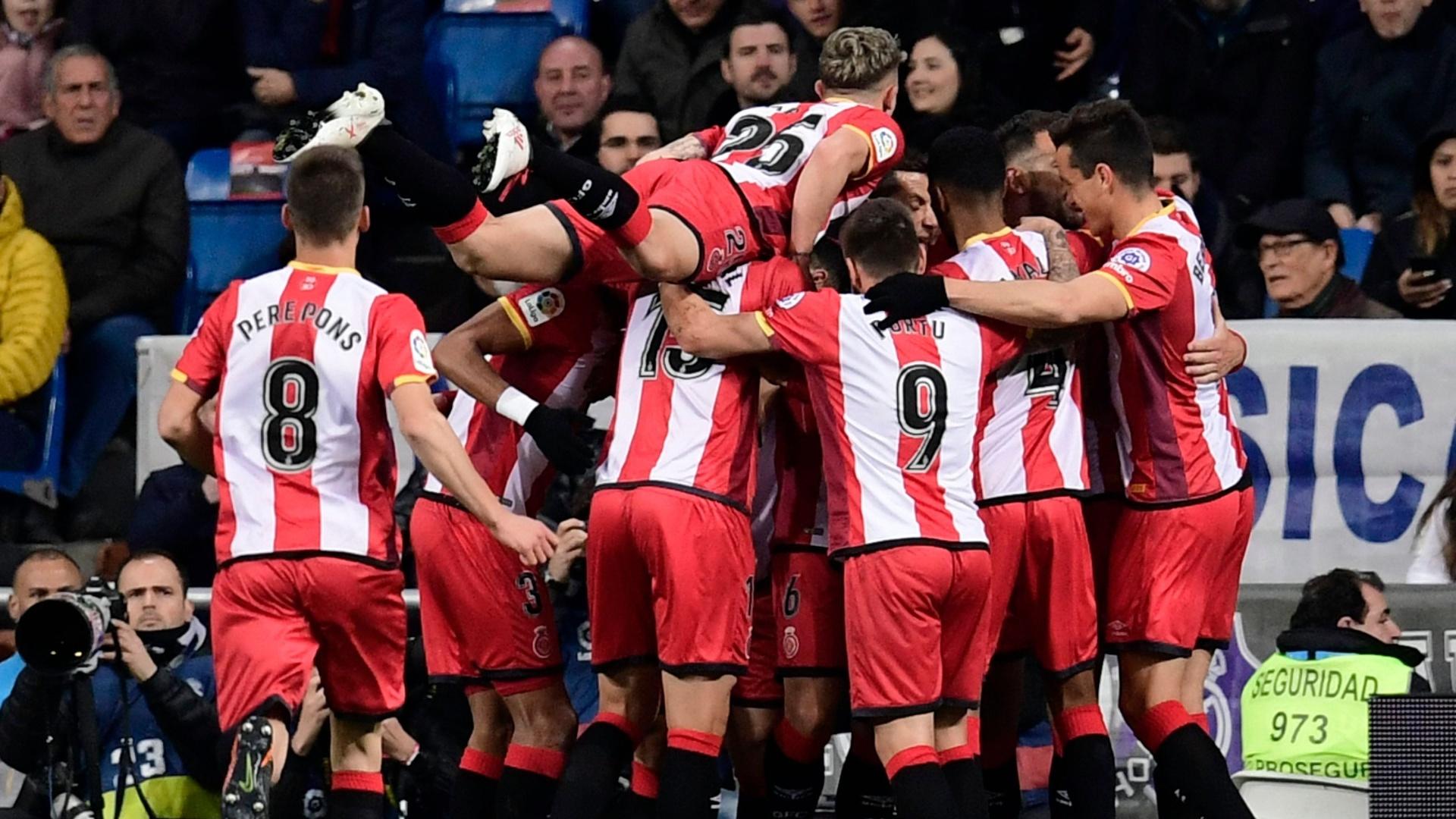 Jogadores do Girona comemoram gol de Stuani contra o Real