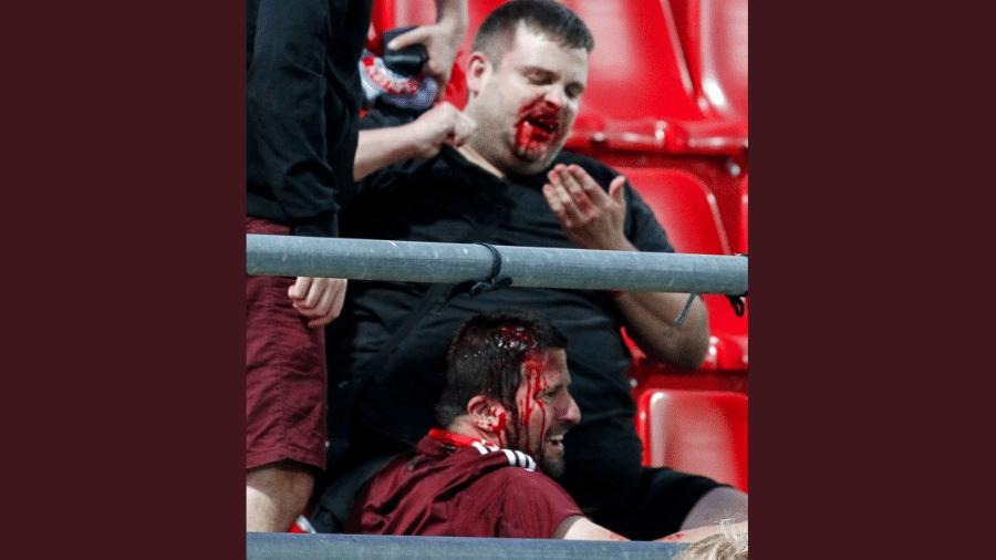 Torcedores do Bayern de Munique são agredidos em partida na Grécia - Reprodução/Twitter