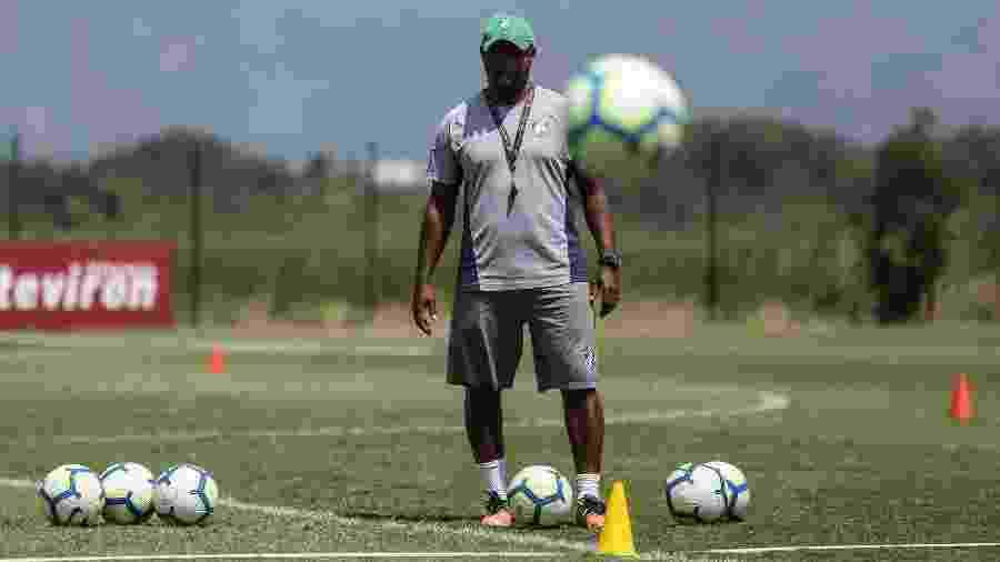 Técnico Marcão vem realizando mudanças no time e busca afastar Fluminense da zona de rebaixamento do Brasileiro - LUCAS MERÇON / FLUMINENSE F.C.