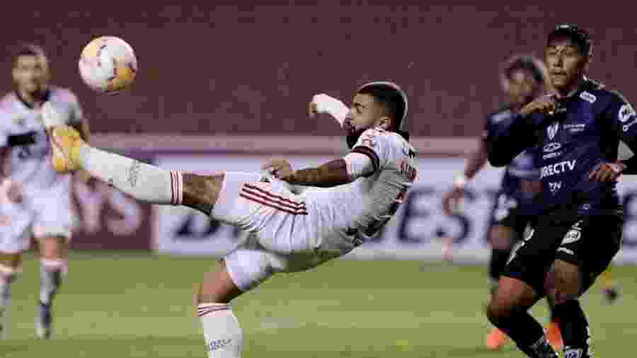 Gabigol, do Flamengo, durante partida contra o Independiente del Valle pela Libertadores 2020 - Franklin Jacome/Getty Images