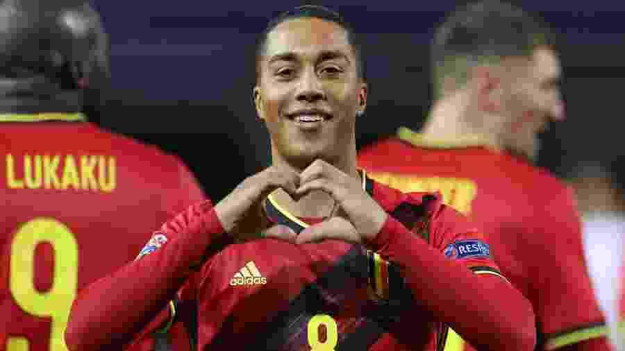 Tielemans marcou o primeiro gol da Bélgica contra a Inglaterra - KENZO TRIBOUILLARD/AFP