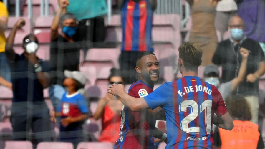Barcelona recebe o Granada no Camp Nou  - LLUIS GENE/AFP