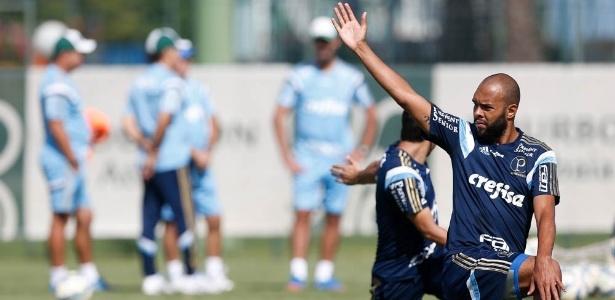 Alecsandro chegou ao Palmeiras em junho, disputou 18 jogos e marcou dois gols